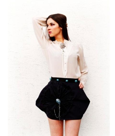 The Neoclassical in Rhodas Fashion : dmrlworld